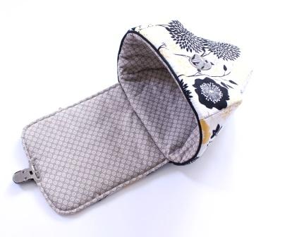 ein Paspelband trennt Innen- und Außenstoff