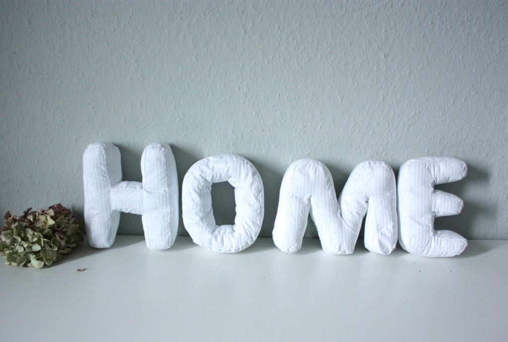 HOME Buchstaben